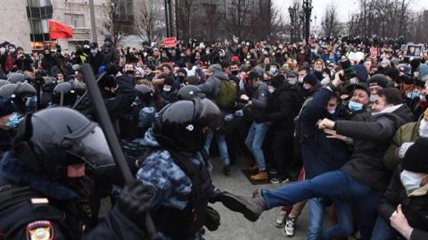 Biểu tình ở Nga ngày 23/1: Bạo loạn hay nắn gân Nga?