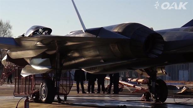Su-57 mang động cơ Izdeliye 30 sẵn sàng hoạt động