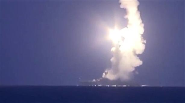 Tên lửa 2 trong 1 Nga diệt tàu địch trên Biển Đen