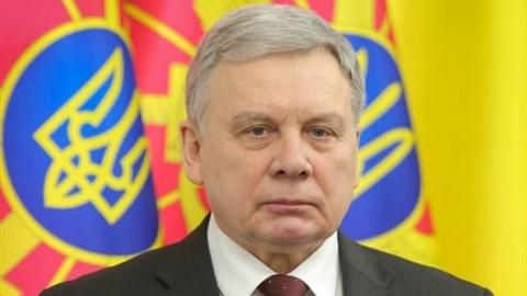 Bộ trưởng Quốc phòng Ukraine đang chịu áp lực kiện tụng