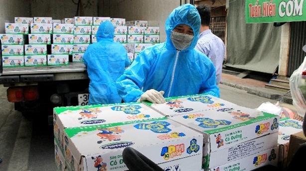 45.000 hộp sữa Vinamilk cho trẻ cách ly tại HN, Hải Dương...