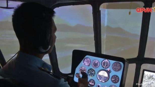 Tác chiến điện tử VN huấn luyện với khí tài tối tân