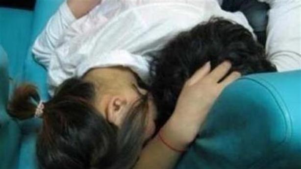 Thiếu nữ có thai với nam sinh ít tuổi: Giúp hai bên