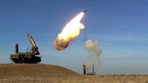 Nga đáp trả mạnh mẽ việc Kiev mở bầu trời cho NATO