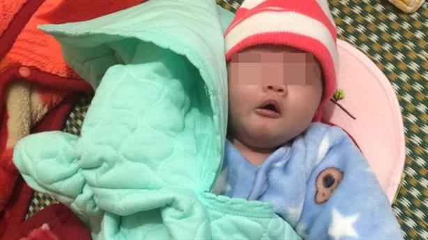 Bé sơ sinh bị bỏ trong đêm lạnh: Được coi như...'cục vàng'