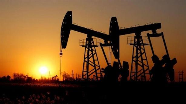 Giá dầu trở lại mốc 60 USD/thùng: Thăng hoa nhờ hy vọng