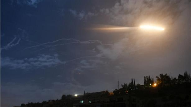 Syria đánh chặn loạt tên lửa tấn công từ Israel
