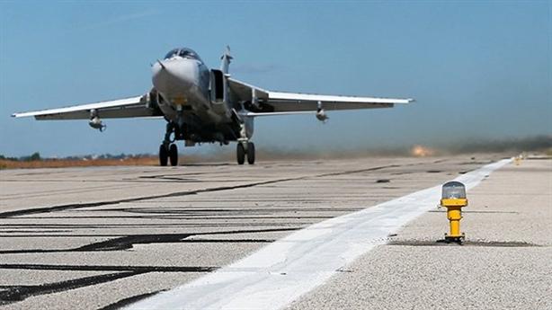 Cuộc đối đầu mới ở Syria: Máy bay ném bom đến Khmeimim