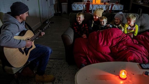 Texas lạnh kỷ lục: Vì sao không điện, không nước....?