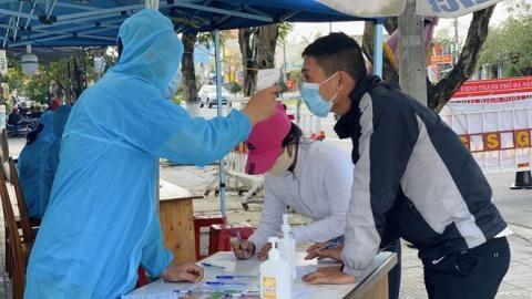 Thanh niên ho, sốt rời bệnh viện ở Đà Nẵng: 'Xử nghiêm'