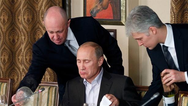 Vì sao Mỹ liên tục treo thưởng lớn để bắt người Nga?