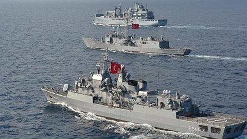 Ankara tuyên bố giúp Kiev nếu xung đột trên biển với Nga