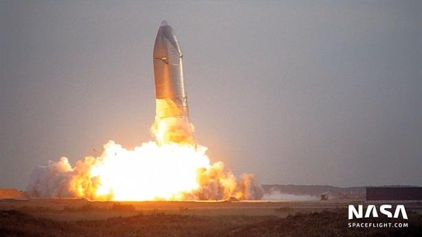 SpaceX nổ tung với tàu vũ trụ hiện đại nhất