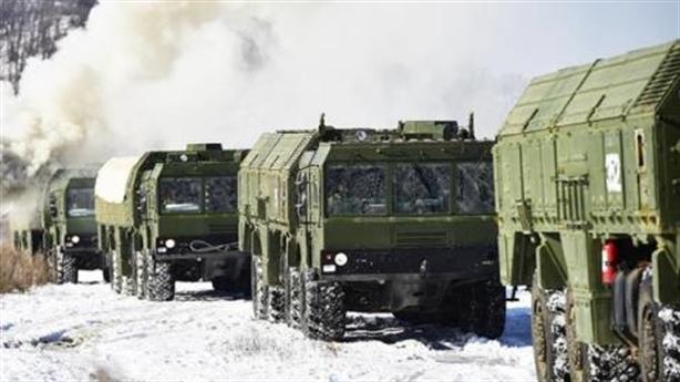 Các đối thủ cố gắng hạ uy tín vũ khí Nga
