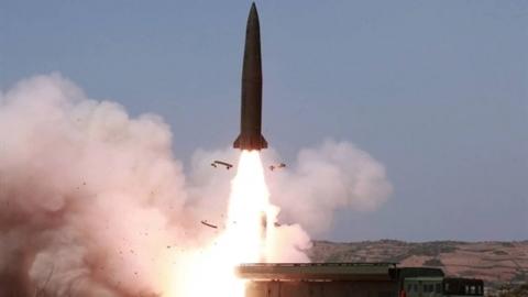 Phóng Iskander-M ngay tại Hmeimim, Nga lạnh lùng gửi cảnh báo?