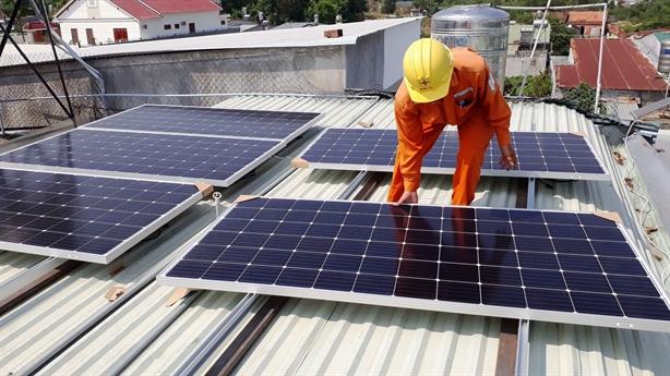 Rà soát các dự án điện mặt trời hưởng giá ưu đãi