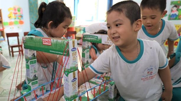 Bến Tre: Sữa học đường 'được lòng' cả thầy, trò, phụ huynh