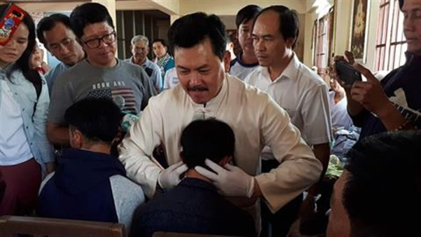 Võ Hoàng Yên bị tố lừa đảo: Bóc mẽ chiêu chữa bệnh
