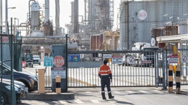 Xăng dầu giá rẻ Trung Quốc đe dọa các nhà máy lọc dầu