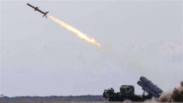 Neptune và phòng không của Nga: Ai thắng?