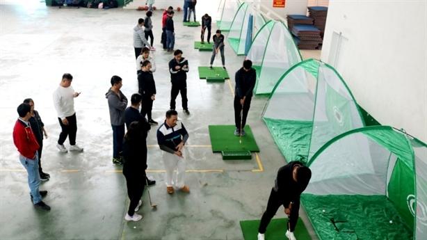 Dạy golf trong trường học: Học để biết... khái niệm