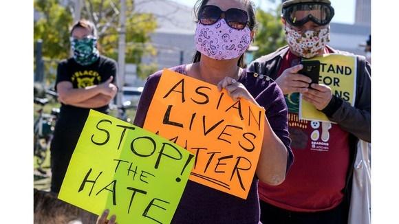 Mỹ chia gói cứu trợ COVID-19 chống kỳ thị chủng tộc