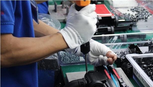 Doanh nghiệp Việt sản xuất ốc vít cho đồng hồ Thụy Sĩ?