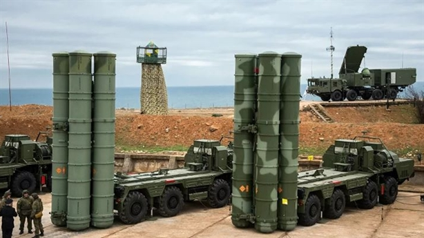 Mặc Mỹ cứng rắn, Thổ mua thêm cả trung đoàn S-400