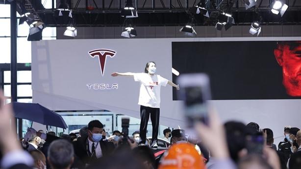Trả đũa Mỹ, Trung Quốc nhắm vào đại gia công nghệ Tesla