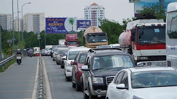 Tắc đường không xả trạm: Kiến nghị xử nghiêm