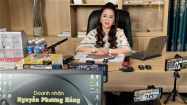 Bà Phương Hằng tiết lộ lý do gọi tên nghệ sĩ