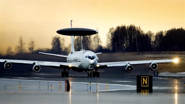 Ukraine nâng cấp sân bay sẵn sàng tiếp nhận hàng không NATO