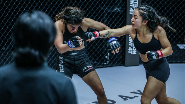 Nữ võ sĩ gốc Việt chấm dứt chuỗi thắng của đối thủ