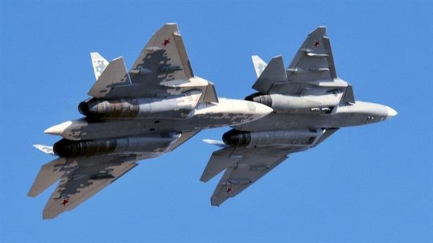 Su-57 lộ bài xuyên thủng phòng thủ đối thủ