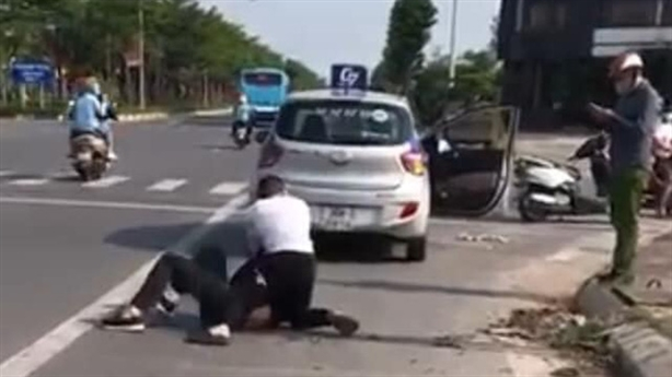Tài xế taxi kể giây phút sinh tử với cướp ở Cienco5