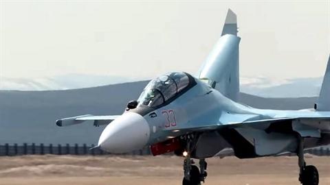 Su-30SM Nga bất ngờ phóng phi công ra khỏi buồng lái?