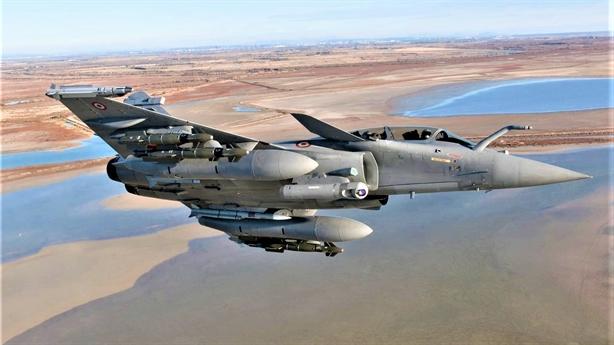 Indonesia mắc kẹt giữa Rafale và Su-35