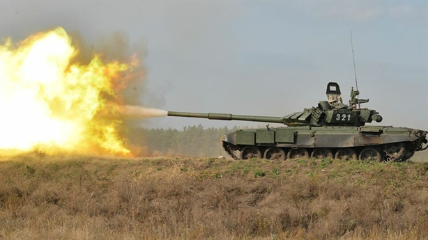 'Shturm đốt cháy mọi xe tăng, diệt mục tiêu sau vật cản'