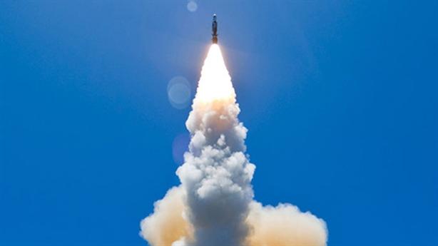 Mỹ phóng 2 tên lửa SM-6 vẫn đánh trượt mục tiêu