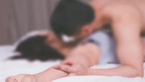Ép viết hợp đồng tình dục, quy định 'yêu' 1 tuần/lần
