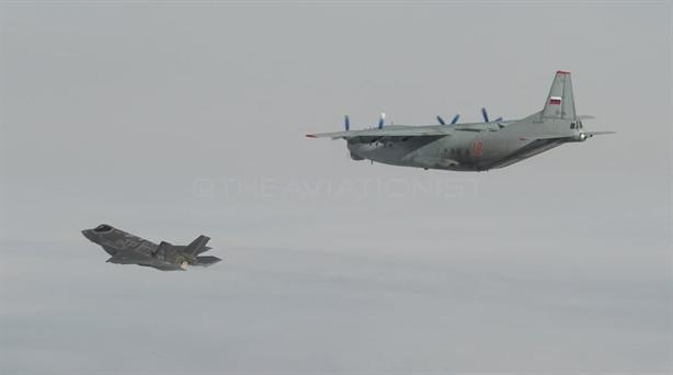 Sai lầm của phi công khiến F-35 có thể bị...An-12 bắn hạ
