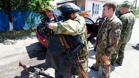 Chuyên gia dự đoán Donbass sẽ tuột khỏi Ukraina như thế nào?
