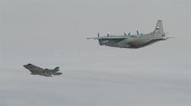 Italia lần đầu khoe ảnh F-35 chặn An-12 Nga