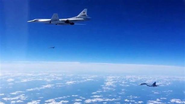 'AGM-86 thua xa Kh-101 Nga'