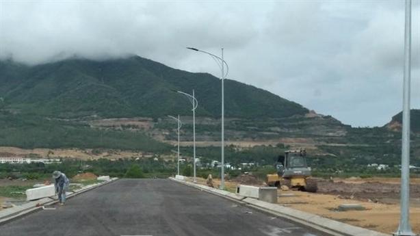 Lý do trăm dự án ở Khánh Hòa tính lại giá đất