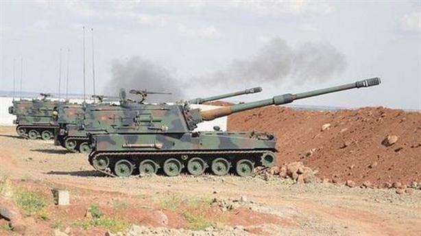 Pháo binh Thổ tấn công SAA trả đũa Nga ném bom HTS