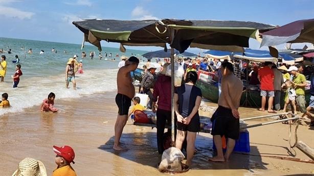 Bà Rịa–Vũng Tàu thu 2 dự án làm bãi tắm công cộng