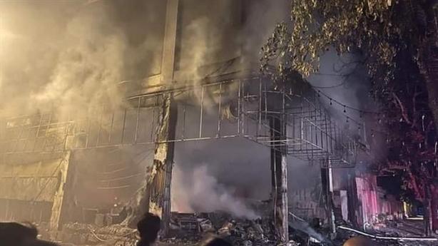 Hiện trường vụ cháy phòng trà khiến 6 người tử vong