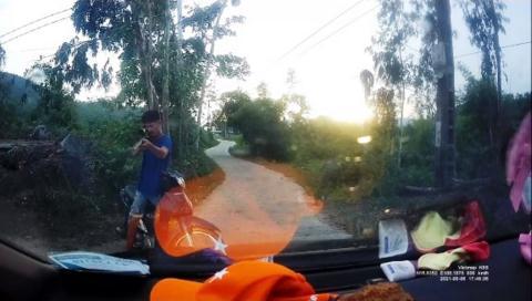 Chĩa thẳng súng đe dọa tài xế: Không nhường đường