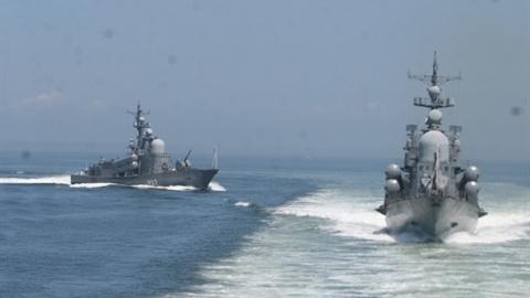 Tàu Nga